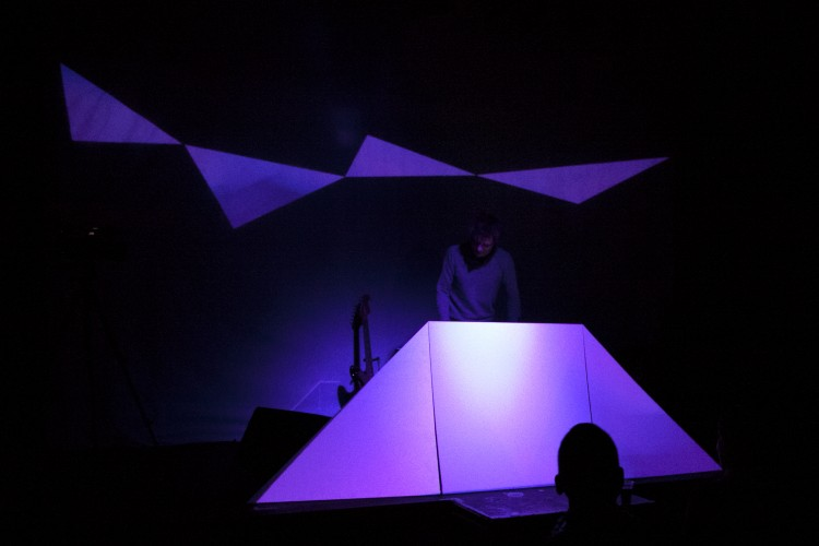 Silikat_electronic_music_swann_thommen_Colorama_live_act_le_lux_201310